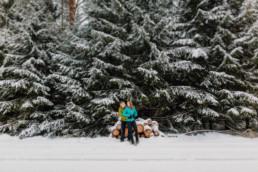 Zimowa sesja narzeczeńska na Mazurach 28